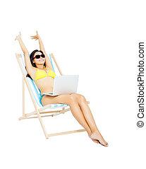 jeune, bikini, séance, femme, ordinateur portable