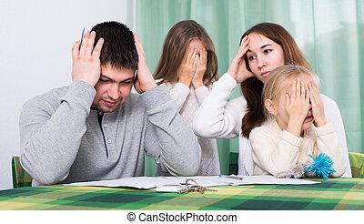 jeune, conflit, maison famille