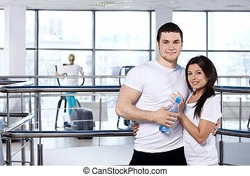 jeune couple, dans, sports, club