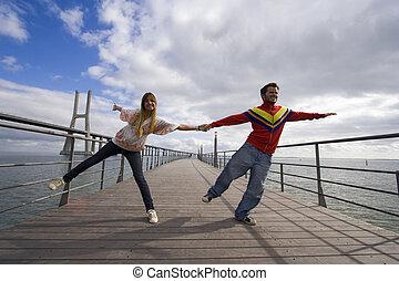 jeune couple, extérieur, vie appréciant
