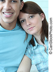 jeune couple, fermez ensemble