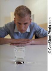 jeune, dépendance, homme, alcool, luttes