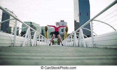 jeune, dehors, femme, city., pont, exercice