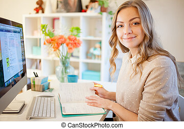 jeune, femme affaires, s'asseoir bureau, et, working., belle femme, remplit, planificateur