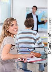 jeune, femme, classe, géographie