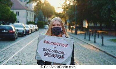 jeune femme, protester, arme, contre, biologique, aimer, ...