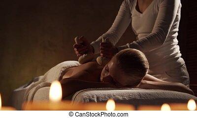 jeune femme, spa, corps, masage, herbier, obtient, style de vie, balle, thérapie, salon., soin, concept., sain, beau