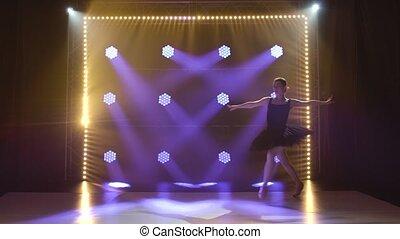 jeune, flexible, beau, ballet., ballet, gracieux, coup, éléments, pointe, projecteurs, tutu, silhouette, arrière-plan., classique, danse, figure., mince, shoes., obscurité, ballerine, noir