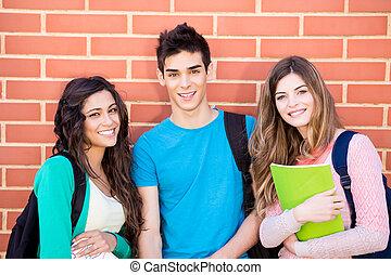 jeune, groupe, de, étudiants, dans, campus