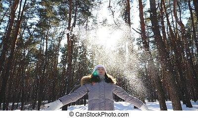 jeune, heureux, tomber, forêt, vêtements, snowflakes., hiver...