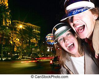 jeune homme, et, femme souriant, sur, las vegas, rue