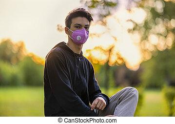 jeune homme, grippe, masque, parc, automne
