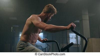 jeune homme, vélo exercice, air, effort., gym., mâle, ...