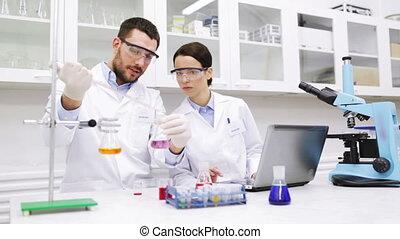 jeune, laboratoire, recherche, scientifiques, essai, confection, ou