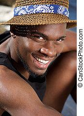 jeune, noir, sourire, beau, chapeau, homme