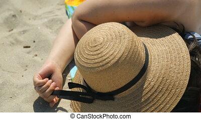 jeune, plage, dormir, femme