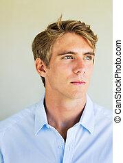 jeune professionnel, portrait, de, beau, homme affaires