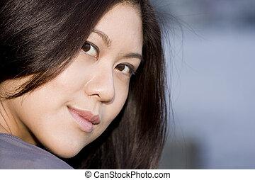 jeune, séduisant, femme asiatique