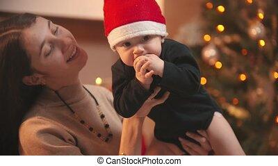 jeune, sourire, tenue, noël, bébé, elle, femme, studio