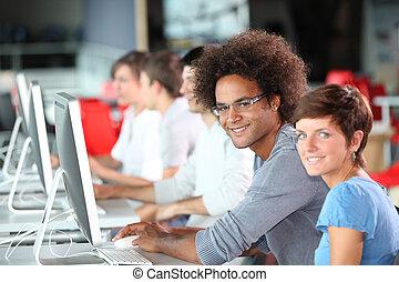 jeunes adultes, dans, formation, cours