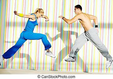 jeunes adultes, groupe, dans, club forme physique