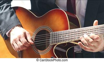 jeux, guitare, costume noir, homme, européen