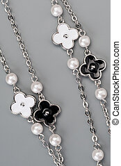 Jewellery necklace with flowers