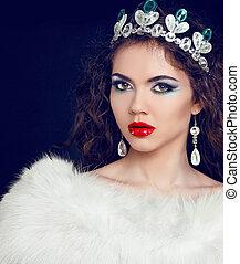 Jewelry and Beauty. Fashion lady photo. Beautiful woman with evening make-up.