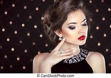 jewelry., beau, brunette, girl, sur, jeune, mannequin, woman...