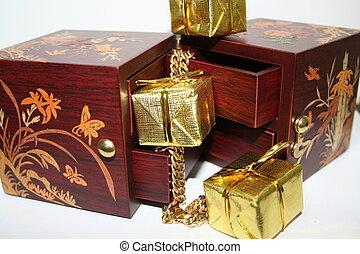 Jewelry Box chains