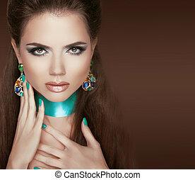 jewelry., marrone, donna, nails., trucco, isolato, fascino, brunetta, portrait., fondo, manicured, proposta, moda