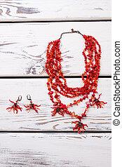 jewelry., poco, perline, rosso