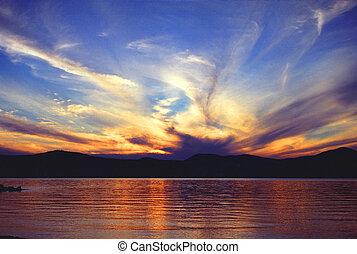jezioro, na, zachód słońca