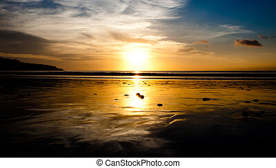 jimbaran, sandstrand, an, sonnenuntergang
