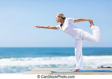 joga, mitte, frau, antikisiert, übung