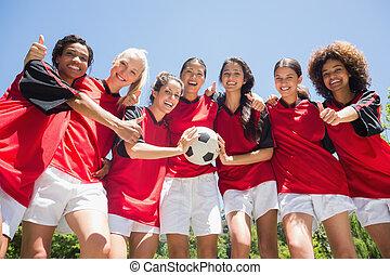 jogadores, futebol, polegares cima, gesticule