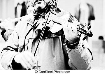 jogando violino