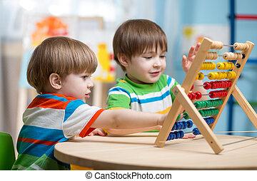 jogar crianças, com, ábaco