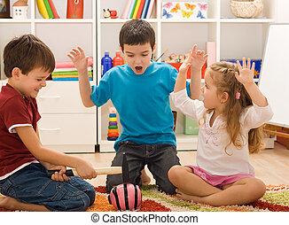 jogar crianças, com, um, piggybank