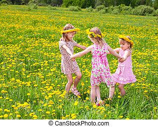 jogar crianças, ligado, um, dandelion, campo