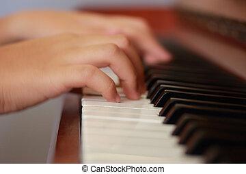 jogar piano, mãos