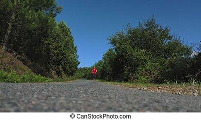 jogging, femme, jeune, route, forêt