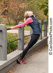 jogging, park, przygotowując, dziewczyna