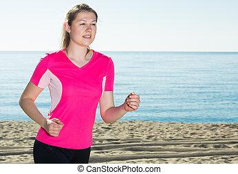 jogging, plage, femme, svelte