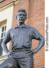Johnny Haynes Statue, Fulham