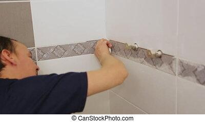joints, ouvrier, tuiles mur, entre, troweling