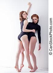 joli, bisexuel, modèles, poser, dans, studio
