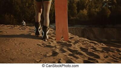 joli, coucher soleil, lumière, sandboarder, poser