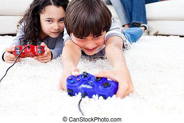 jolly, børn spille, boldspil video, ligge gulvet