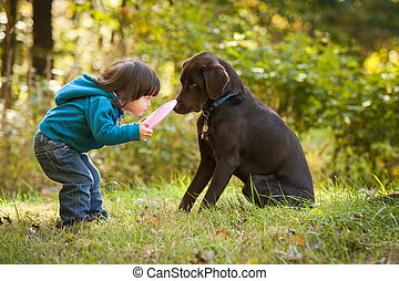 jong kind, gespeel bezorgen, met, dog